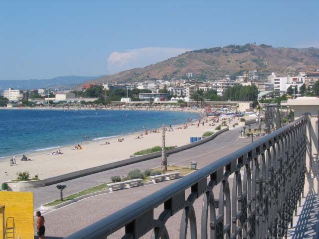 Reggio Calabria lungomare and beach