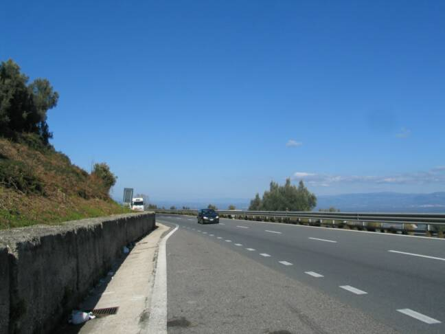 the A3 autostrada - Reggio Calabria - stay to the right